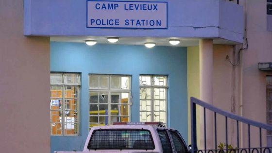 À Camp-Levieux : elle allègue avoir été violée par un «tombaliste»