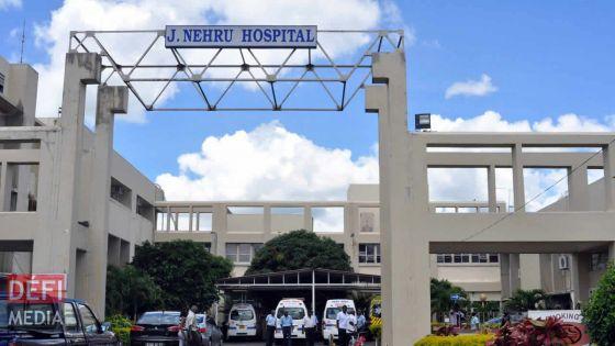 Un infirmier inquiet après avoir été en contact avec un patient positif au Covid-19