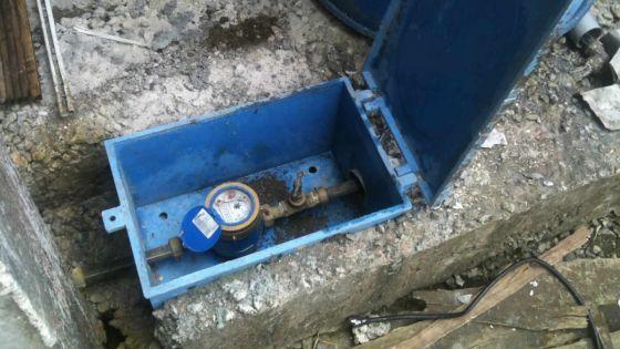 Rue Chalets, à Vallée-Pitot : une perdition d'eau qui dure depuis plusd'un an et demi