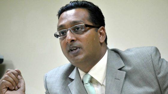 Élection partielle au No 7 : Bhadain trouve que le PM «mène le pays en bateau»