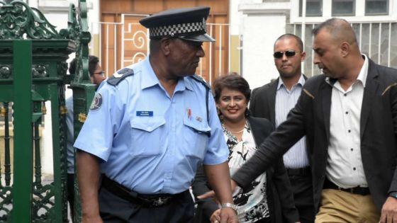 Commission d'enquête sur l'ex-présidente de la République :Ameenah Gurib-Fakim dépose des documents