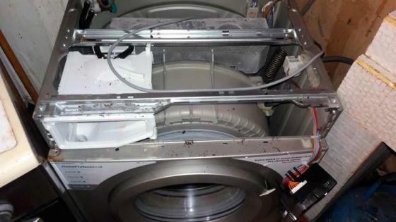 Machine à laver en panne après moins d'un an : il réclame des explications au magasin