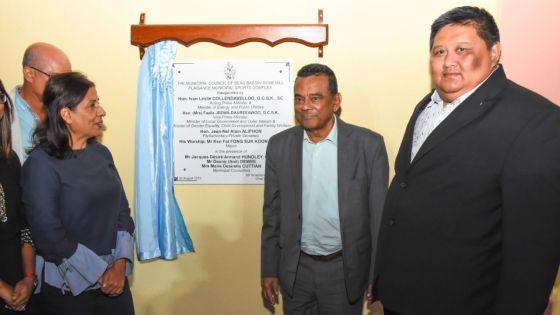 Inauguration d'un complexe sportif : un hommage renduà Dean Tirvengadum