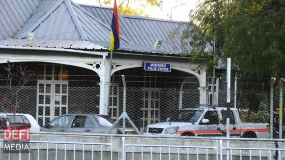 Abercrombie : un mineur arrêté pour avoir lancé un cocktail Molotov en direction du poste de police