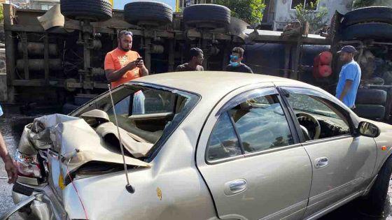 Accident à Camp-Chapelon : un poids lourd se renverse