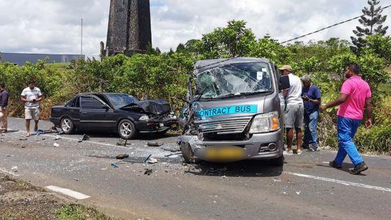 Wooton : collision entre une voiture et un van