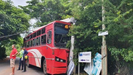 Albion : un receveur d'autobus grièvement blessé dans un accident