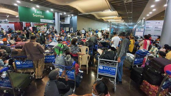 Contact tracing : les passagers de deux vols arrivés le 18 mars priés de se manifester