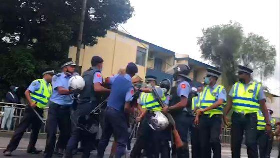 Comparution des suspects arrêtés dans l'assassinat de Fakhoo : interpellations après des incidents