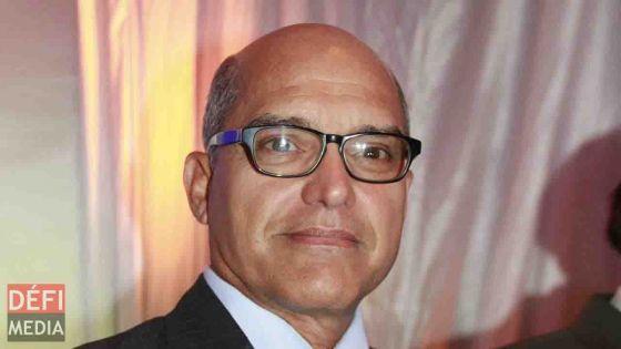 Le PPS Alain Aliphon dit avoir été giflé au Caudan