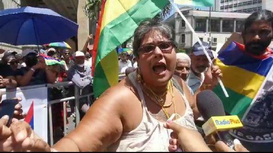 Marche citoyenne de l'opposition : «Anou rebatir nou nasyon, nou pei», dit Aruna Gangoosing