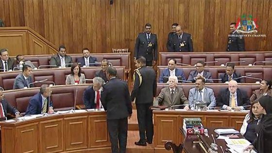 Parlement :  Arvin Boolell  suspendu pour deux séances
