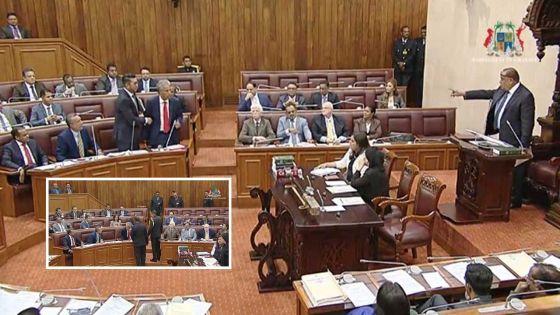 Séance orageuse au Parlement : walk-out de l'opposition après les expulsions de Boolell et de Mohamed