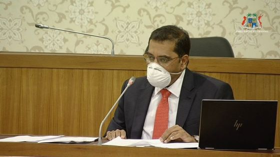 Traitement à l'hydroxychloroquine : « Le gouvernement fuit devant ses responsabilités », dit Dr Farhad Aumeer