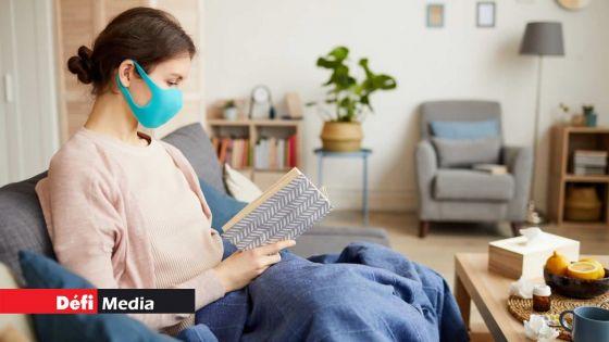 Covid-19 : 2 950 patients vaccinés et positifs en isolement à domicile