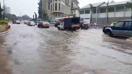 Accumulation d'eau à Port-Louis - une partie de l'autoroute fermée