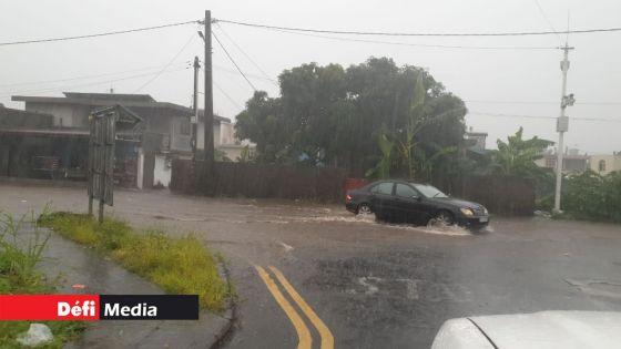 Avis de fortes pluies : des accumulations d'eau prévues, voici des conseils pratiques