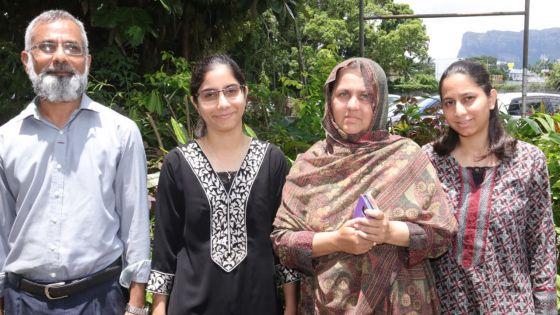 Étudiante au QEC, Rabiah Bahemia, lauréate comme sa sœur