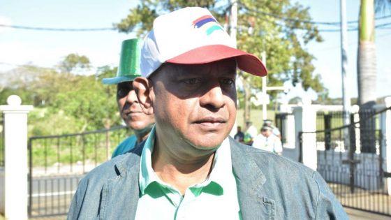 Nomination Day : «Swin ki bizin gaynié, dimunn pa gaynié » dit Beejanand Mahadev, candidat de l'Unisun Democratic Party