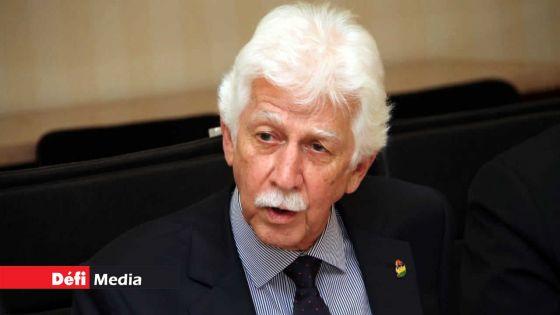 Leader de l'opposition : Paul Bérenger dit attendre la «décision finale» de Boolell