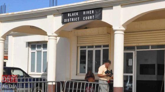 Une Portugaise accusée de vol et de détournement de fonds par son ex-concubin à Maurice