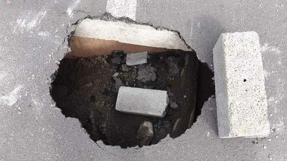 Sainte-Croix - Danger sur la route : un morceau de route menace de s'effondrer