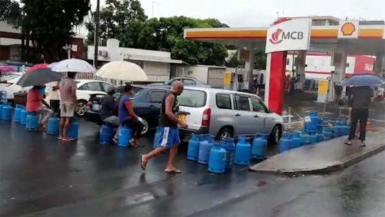 Beau-Bassin : le 'social distancing' observé par… les bonbonnes de gaz