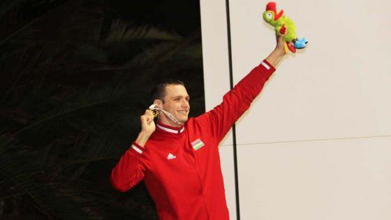 JIOI – Natation : « une fierté énorme… », confie Bradley Vincent, médaillé d'or