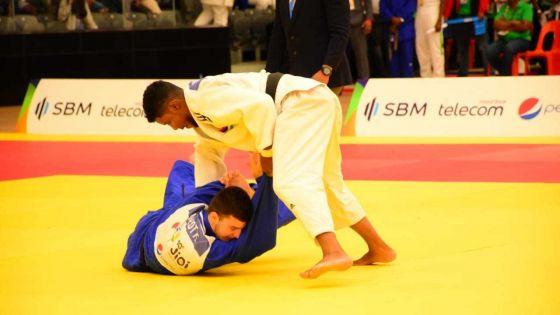 JIOI - Judo : les judokas mauriciens, Bryan Etienne et Sébastien Perrine, se qualifient en demi-finale de leur catégorie de poids