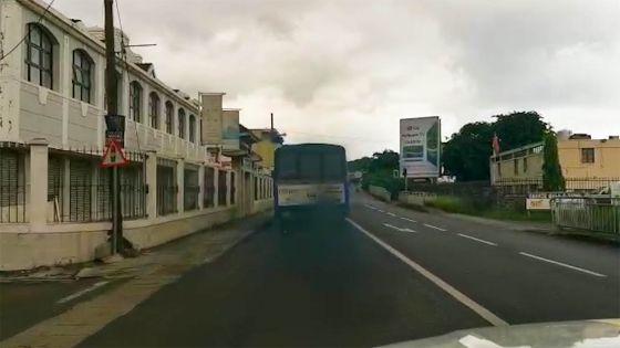 Autobus, tu fumes…encore et toujours