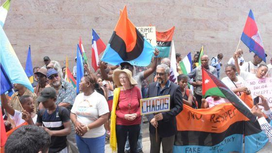 Manifestation des Chagossiens : «Monn vinn donn zot mo sipor», affirme Cassam Uteem