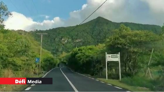 La route B104 de Case Noyale à Chamarel temporairement fermée