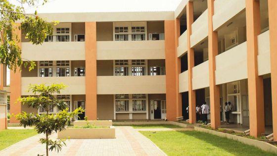Nouveau calendrier scolaire : des syndicats du secteur éducatif déplorent l'absence de consultations