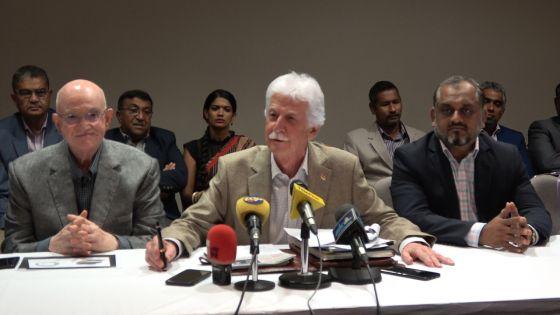 Paul Bérenger dénonce «une cacophonie» au sein du gouvernement après les déclarations de deux ministres