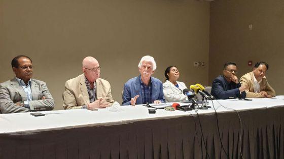Paul Bérenger : « Une mauvaise gestion du dossier des vaccins anti-Covid-19 »