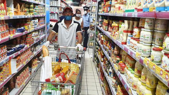 Consommation : ces produits et services qui pèsent plus lourd dans le panier de la ménagère