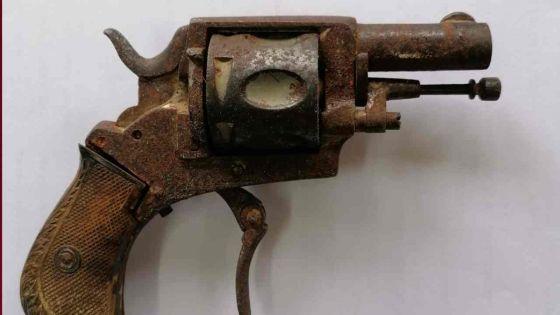 À Montagne Zako : un revolver découvert par l'ADSU