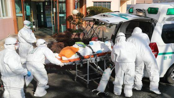 Coronavirus : l'épidémie accélère hors de Chine, à une vitesse qui inquiète l'OMS