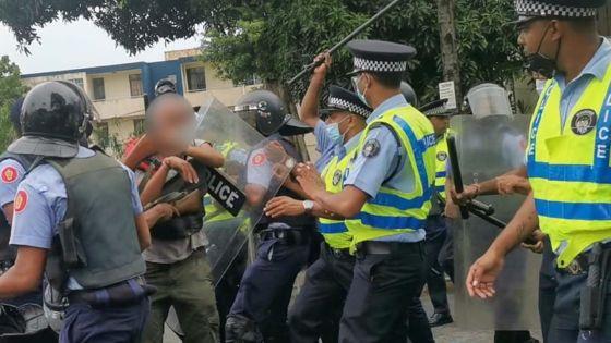 Assassinat de Fakhoo : deux personnes arrêtées après les échauffourées devant la Cour de Rose-Hill