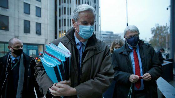 Coronavirus : l'Angleterre se déconfine avant des vaccinations la semaine prochaine