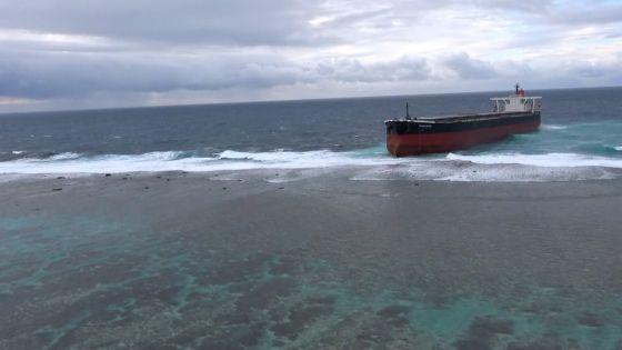 Naufrage du Wakashio : l'île de La Réunion prête à apporter son aide