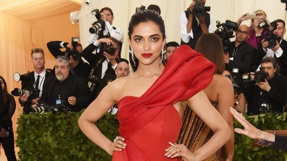 Deepika Padukone,la femme la plus sexy d'Asie de la décennie