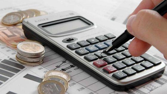 Indicateurs : le déficit commercial baisse de 2,8% en février