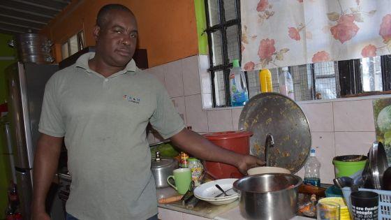 [En images] Baie-du-Tombeau : le manque d'eau source de colère des habitants