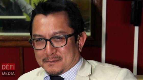 Dick Ng Sui Wah et d'autres avocats annoncent une plainte contre deux médecins français