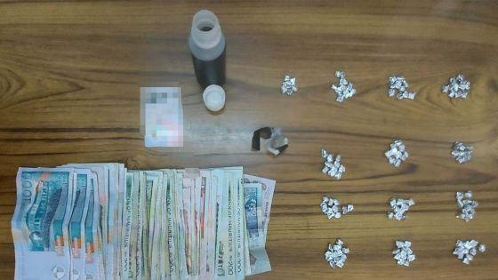 Une présumée trafiquante, arrêtée avec 166 doses de drogue synthétique : «Misie mo enn dimoun mizer gete ki kapav fer pou mwa…»