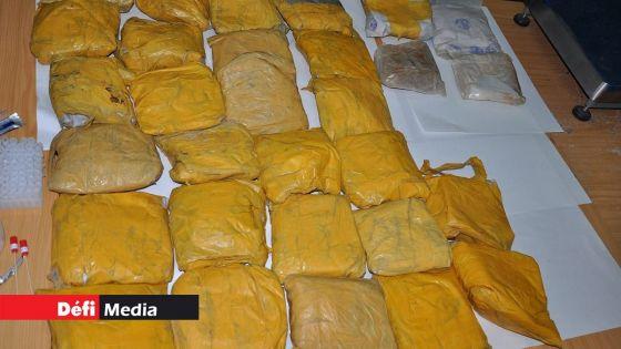 Saisie record de drogues à Pointes-aux-Canonniers : des voitures de location utilisées pour transporter la drogue