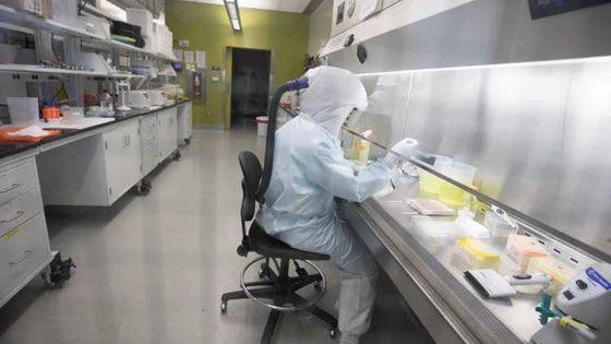 Moyens matériels dans les hôpitaux : 100 000 tests PCR et des équipements commandés