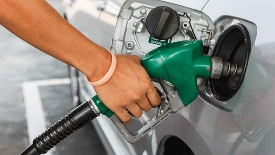 Pas d'essence pour Rs 25 à la station-service