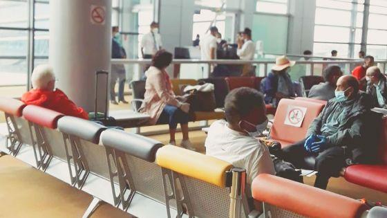 Rapatriement : 75 étrangers sont partis pour Londres